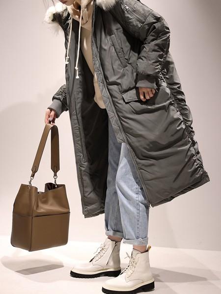 嘉茱莉JUMJULY女装品牌2020秋冬新款纯色大毛领羽绒大衣