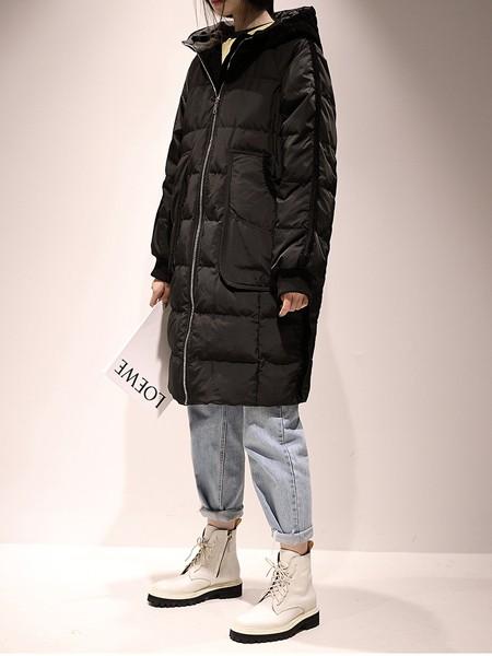嘉茱莉JUMJULY女装品牌2019秋冬新款纯色带帽羽绒大衣