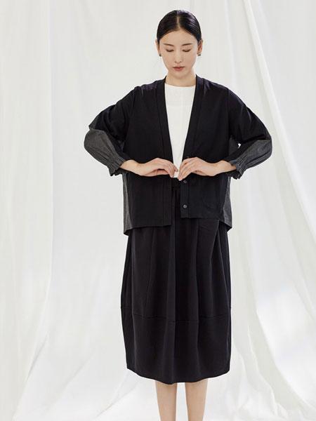 角度女装品牌2020春夏新款针织黑色外套