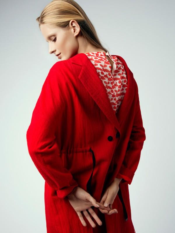 WJS唯简尚女装品牌2020春夏新款红色背后纽扣长款开衫