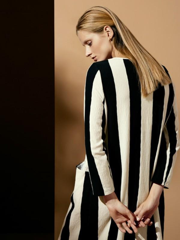 WJS唯简尚女装品牌2020春夏新款黑白拼接色连衣裙