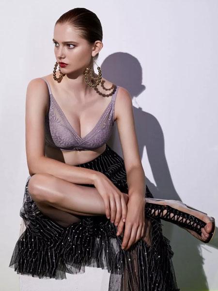 艾慕am内衣品牌2020春夏新款纯色蕾丝花纹聚拢内衣