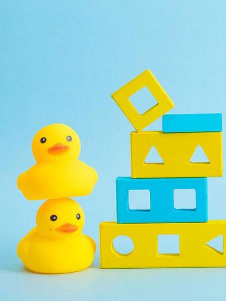 欧诺品牌香港可爱小黄鸭
