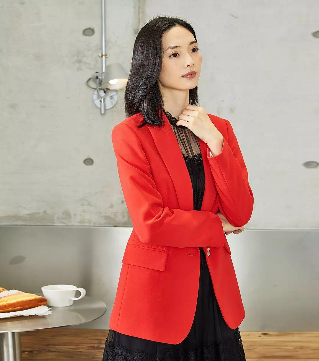 美诗缇MIXTIE女装品牌2020春夏新款纯色气质纽扣外套