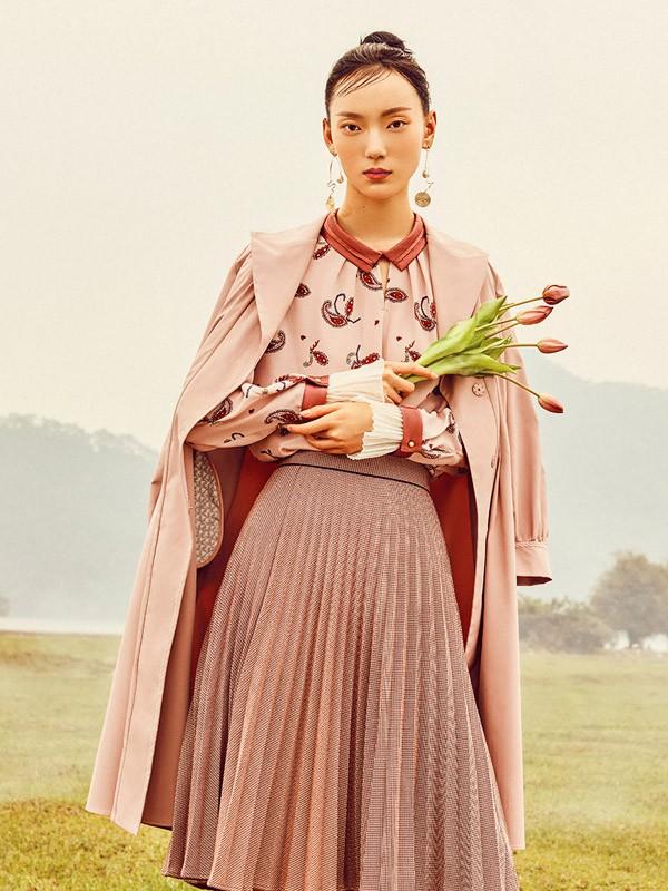 茜纳女装品牌2020秋冬新款纯色薄棉纽扣大衣