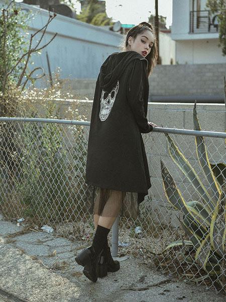 Burando Eno女装品牌2020春夏新款纯色背后骷髅头个性带帽大衣