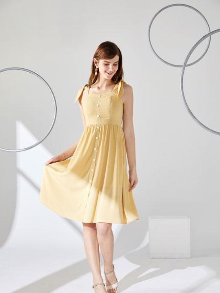 城市衣柜女装品牌2020春夏新款纯色透纱连衣裙