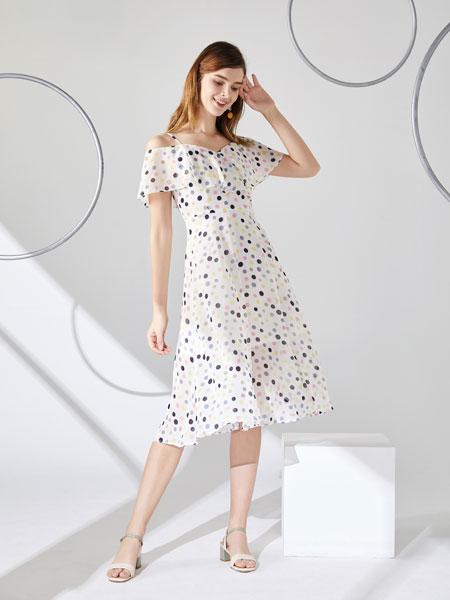 城市衣柜女装品牌2020春夏新款纯色波点连衣裙