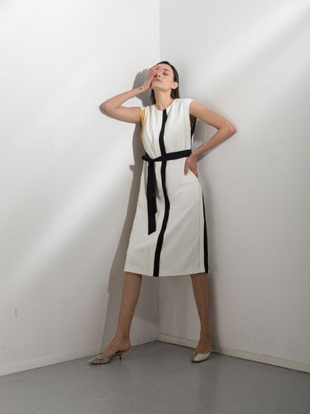 阿莱贝琳女装品牌2020春夏新款纯色长款气质连衣裙