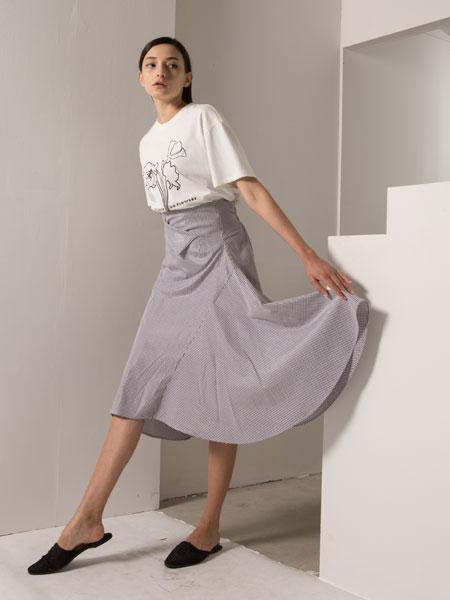 阿莱贝琳女装品牌2020春夏新款纯色简洁半身裙