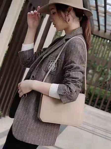 雨珊女装品牌2020春夏新款纯色小logo西装外套