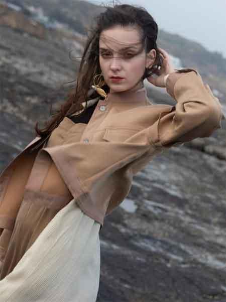 薇薇希女装品牌2020春夏新款纯色气质纽扣夹克