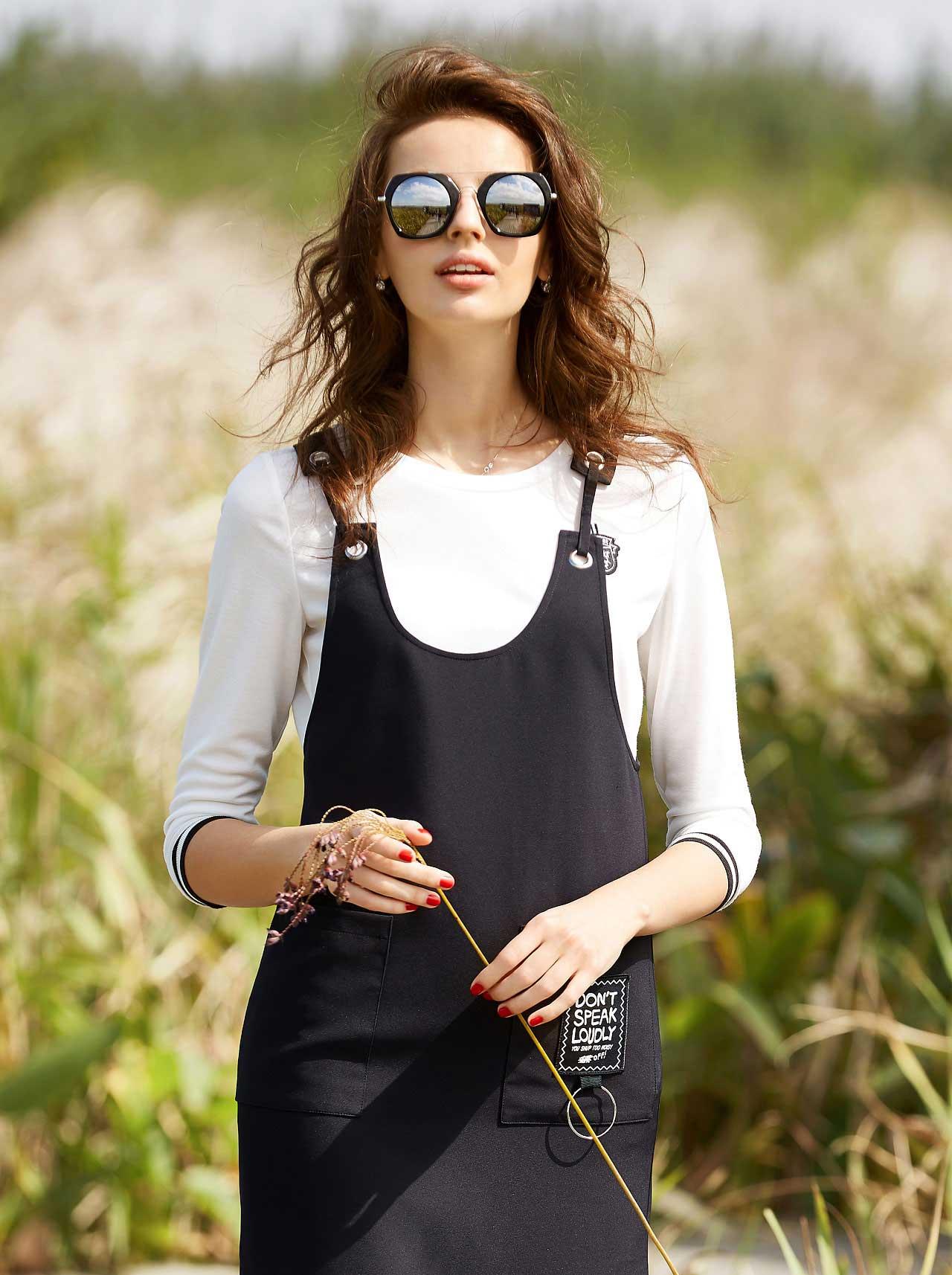 雀啡女装品牌2020春夏新款纯色吊带连体裤