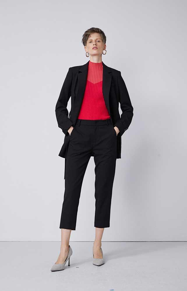 真我永恒女装品牌2020春夏新款纯色纽扣气质西装外套