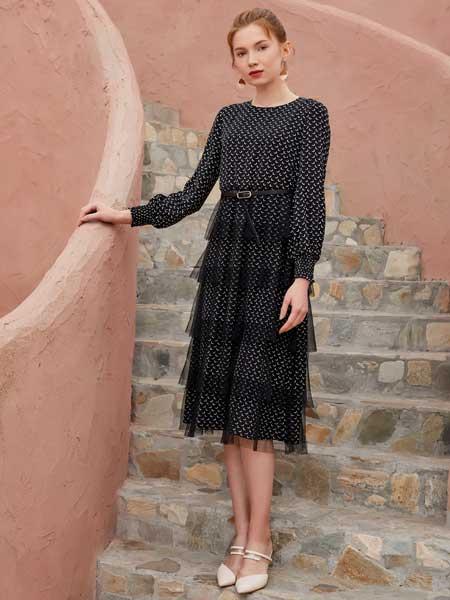 金蝶茜妮女装品牌2020春夏新款纯色波点长袖连衣裙