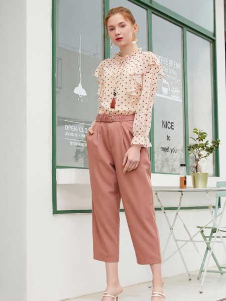 金蝶茜妮女装品牌2020春夏新款纯色波点真丝上衣