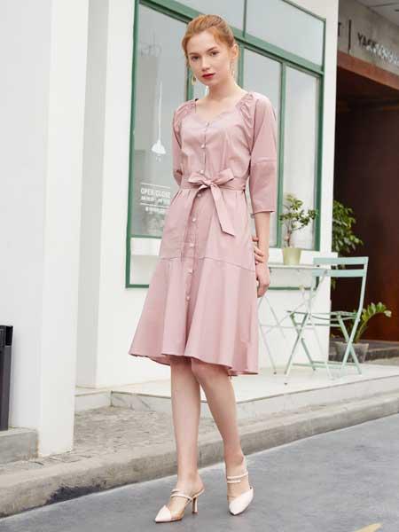 金蝶茜妮女装品牌2020春夏新款纯色气质系带式连衣裙