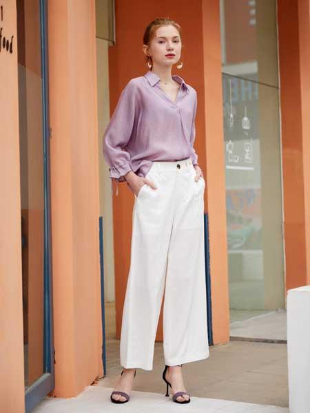 金蝶茜妮女装品牌2020春夏新款纯色真丝纽扣衬衫