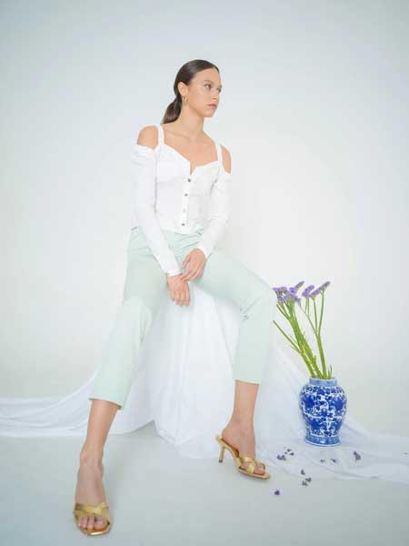bogdar国际品牌品牌2020春夏露肩有机棉衬衫