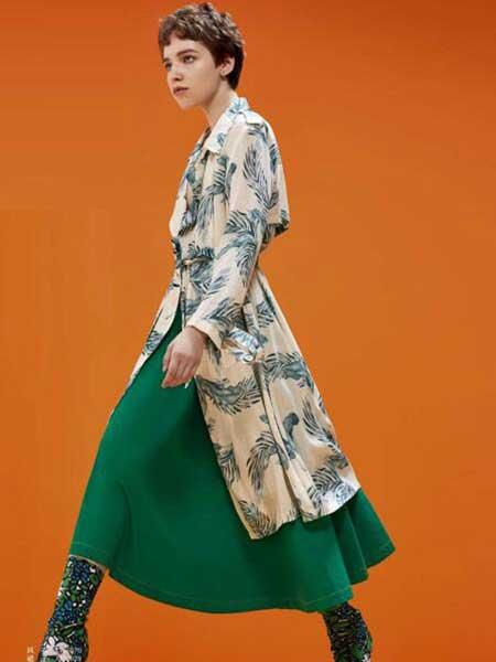 卡歌娜女装品牌2020春夏新款纯色碎花长袖大衣