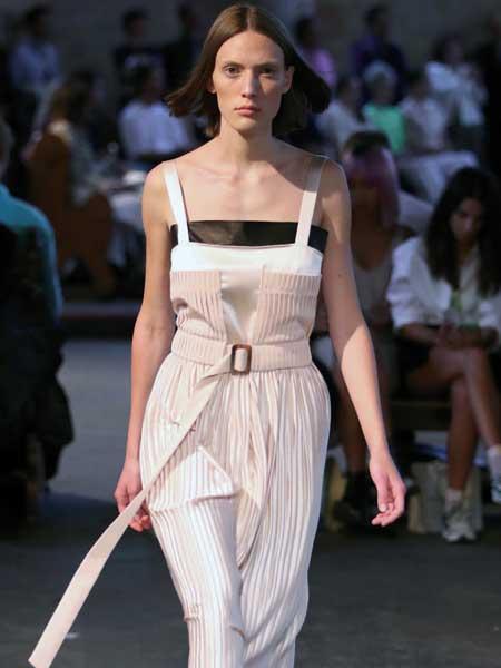 VASSA & Co���H品牌品牌2020春夏新款�色�l�y系��式�B�w衣