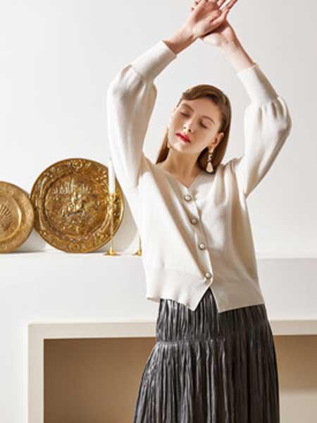 QS秸熙、卡蕊.安女装品牌2020春夏新款纯色气质纽扣开衫