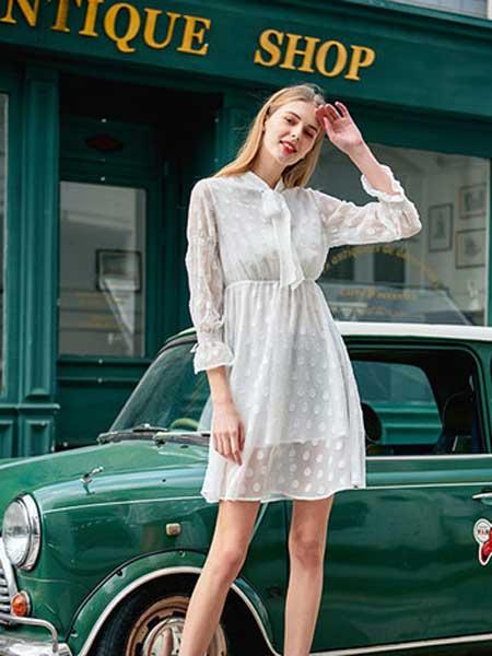雁腾逸女装品牌2020春夏新款纯色蕾丝缕空气质连衣裙