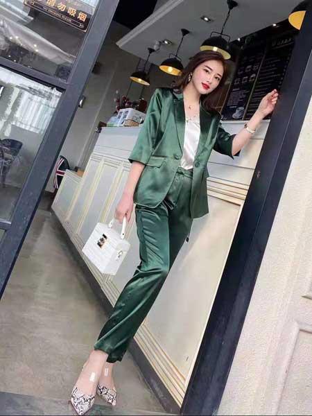 索诗妃儿SUOSHIFEIER女装品牌2020春夏新款纯色亮面气质西装套装