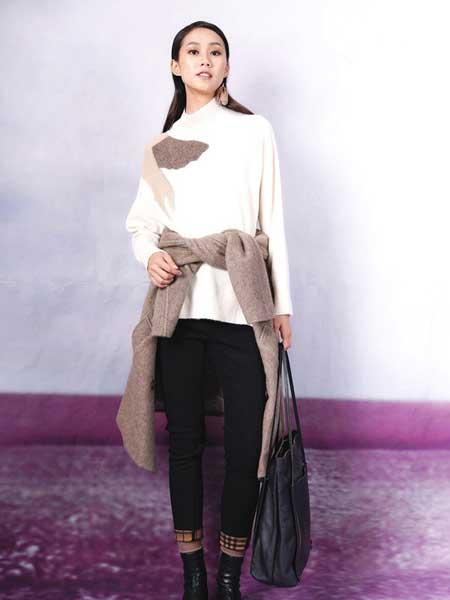 底色女装品牌2020秋冬新款纯色简洁针织毛衣
