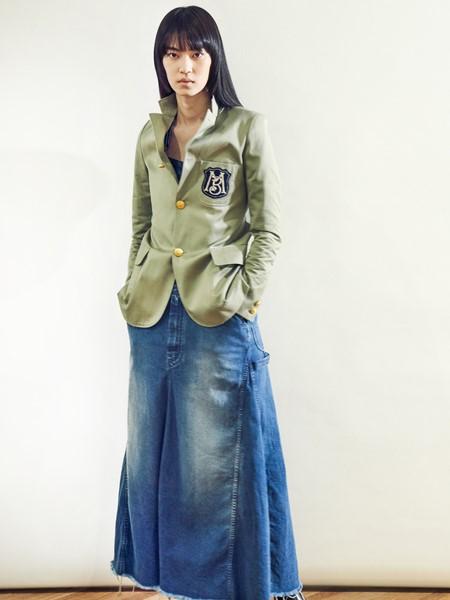 MADISONBLUE国际品牌品牌2020春夏时尚军绿色外套