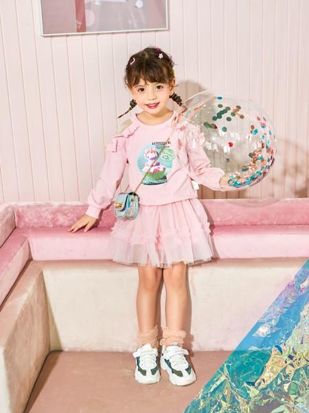 卡儿菲特山西童装品牌2020春夏印花卫衣