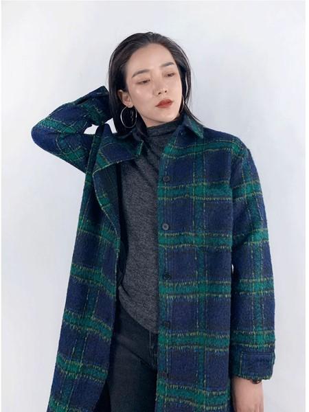 筱陌女装品牌2020秋冬时尚大衣