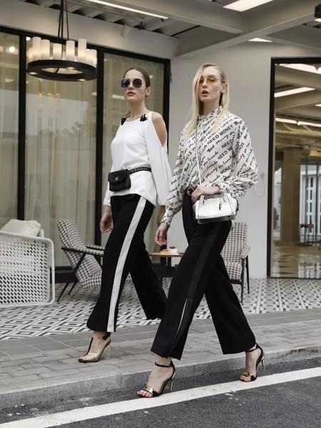 T'ameril(天美瑞尔)女装品牌2020春夏时尚露肩上衣