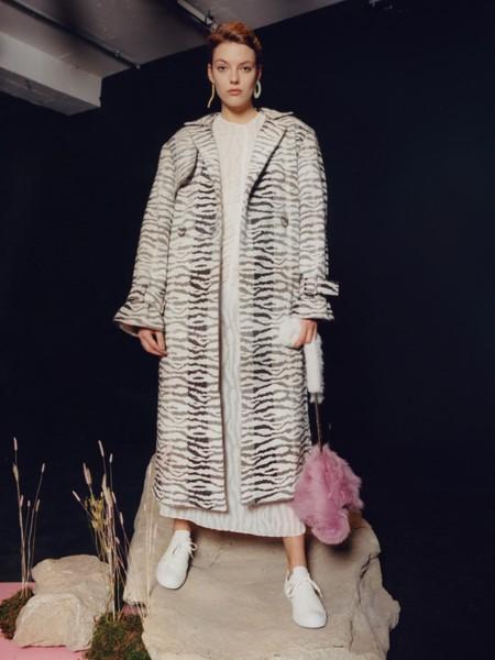 Milo Maria国际品牌品牌2020春夏时尚大衣