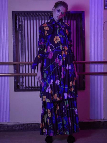 AINEA国际品牌品牌2020春夏花色修身连衣裙