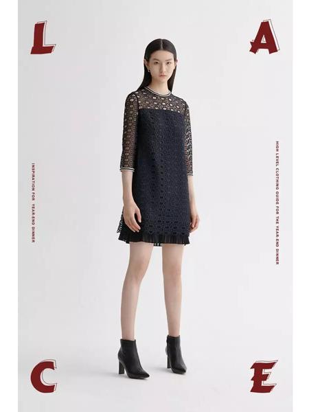 曼娅奴女装品牌2020春夏魅惑黑色连衣裙