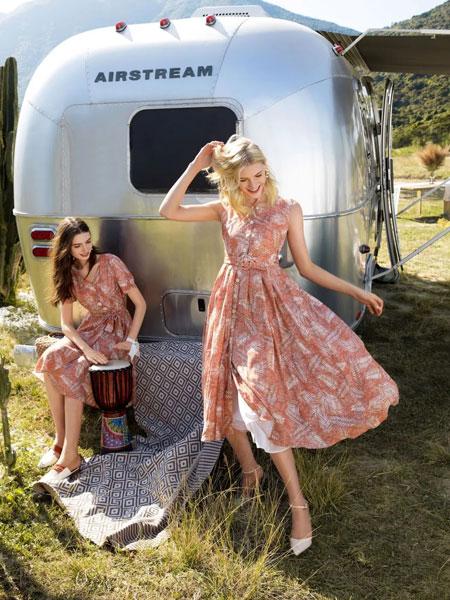 索玛女装品牌2020春夏新款纯色印花性感连衣裙