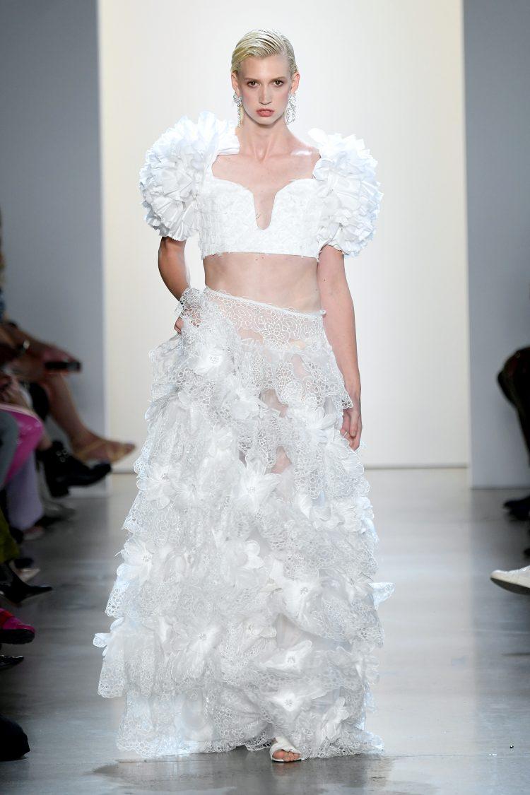 Raisa Vanessa国际品牌品牌2020春夏白色花朵绣花压花加长半身裙