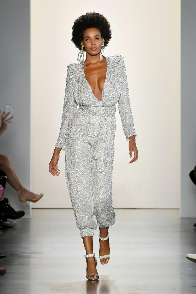Raisa Vanessa国际品牌品牌2020春夏带腰带的银色束带连身裤