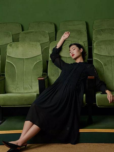 印象主题女装品牌2020春夏新款纯色长袖连衣裙