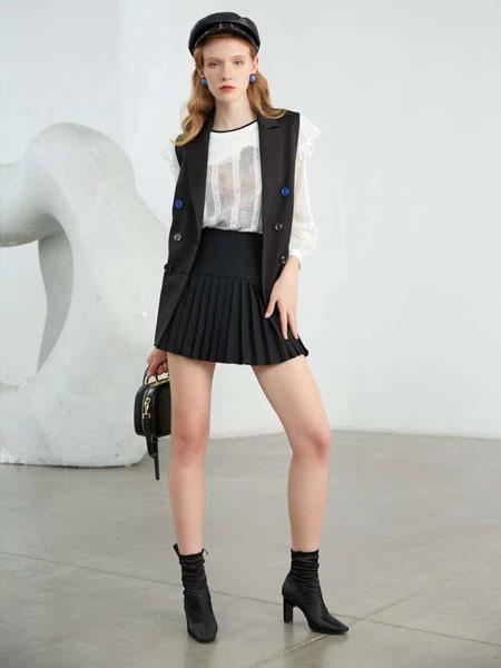 曼诺比菲女装品牌2020春夏新款黑色纽扣气质马甲