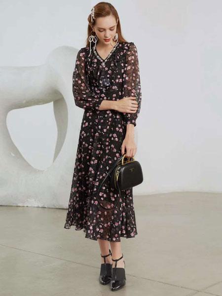 曼诺比菲女装品牌2020春夏新款碎花连衣裙