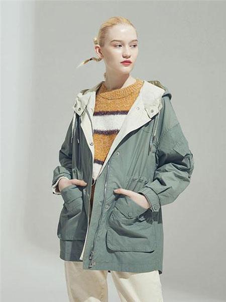 伊纱贝莲JSAPUILIN女装品牌2019秋冬装蓝色棉衣