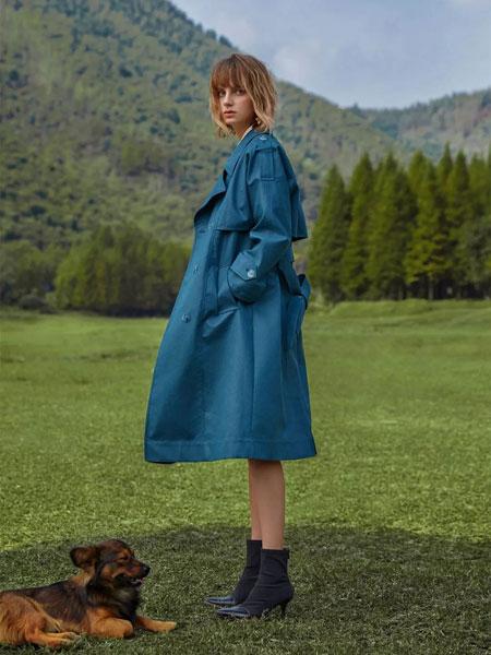 LEISURE女装品牌2020春夏新款纯色系带式风衣