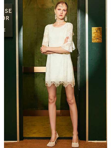 欧点女装品牌2020春夏新款显蕾丝纯色连衣裙
