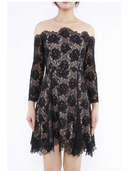 欧点女装品牌2020春夏新款显露肩修身长袖连衣裙