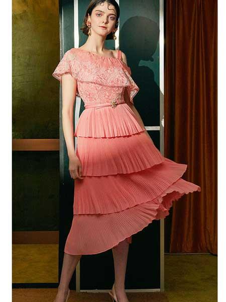 欧点女装品牌2020春夏新款露肩显气质连衣裙