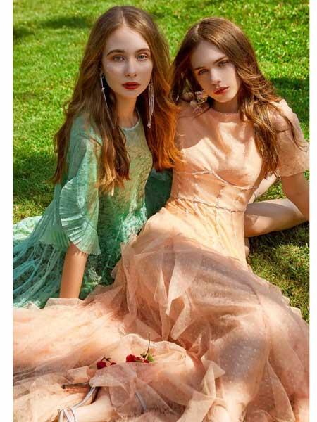 欧点女装品牌2020春夏新款纯色修身连衣裙