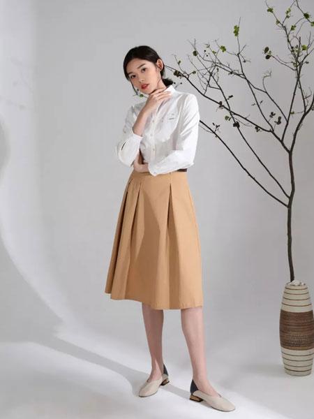 MOKOO女装品牌2020春夏新款纯色针织高领长袖上衣