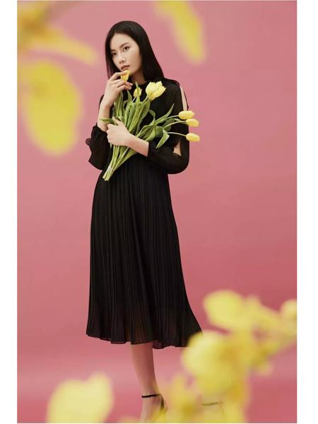 佛尼亚女装品牌2020春夏新款黑色的经典纱裙
